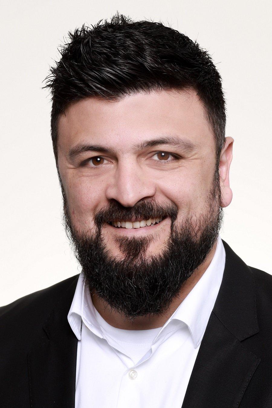 Adnan Tabatabai